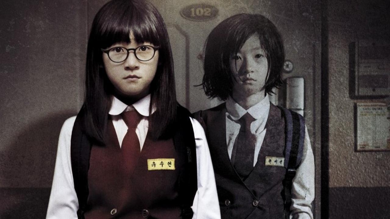 【阿斗】邻家小女孩被绑架杀害,然而每天都照常回家!韩国漫画改编的恐怖惊悚电影《邻居》