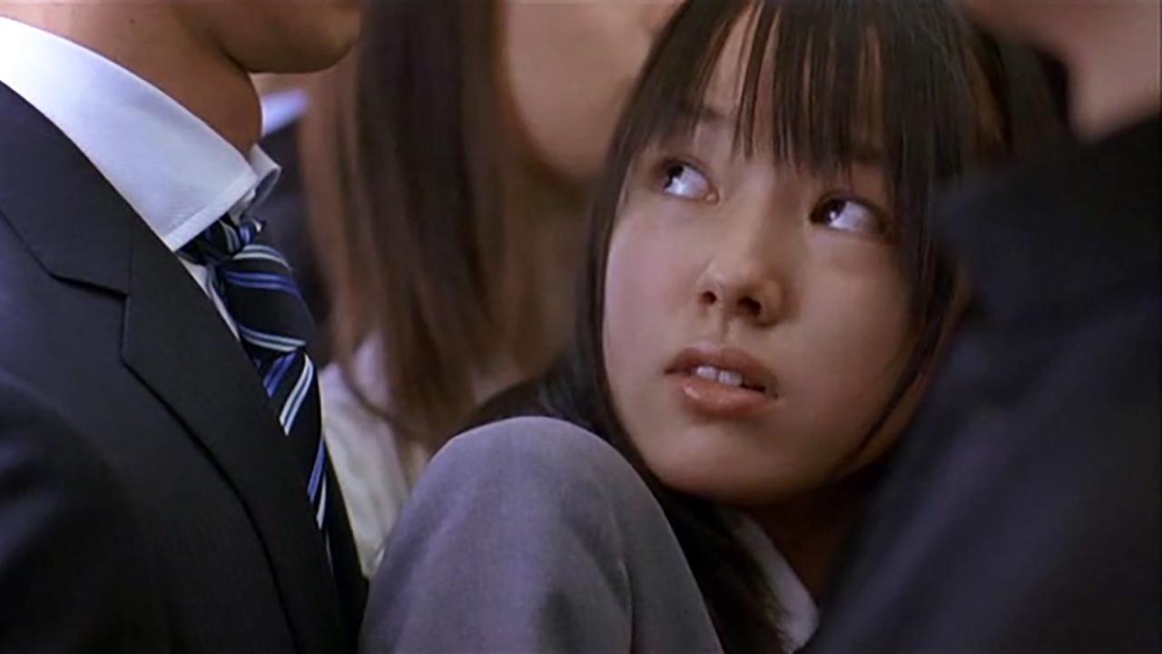 """豆瓣8.3,轰动日本的""""色狼案"""",终于被拍成了电影"""