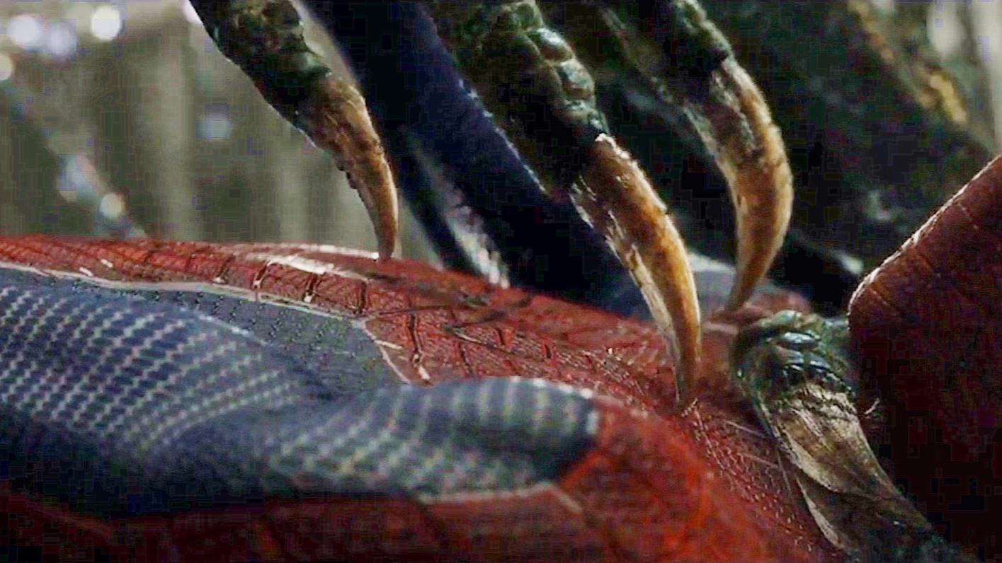 小伙把自己改造成了蜥蜴人,拥有了超能力,蜘蛛侠都怕他三分!