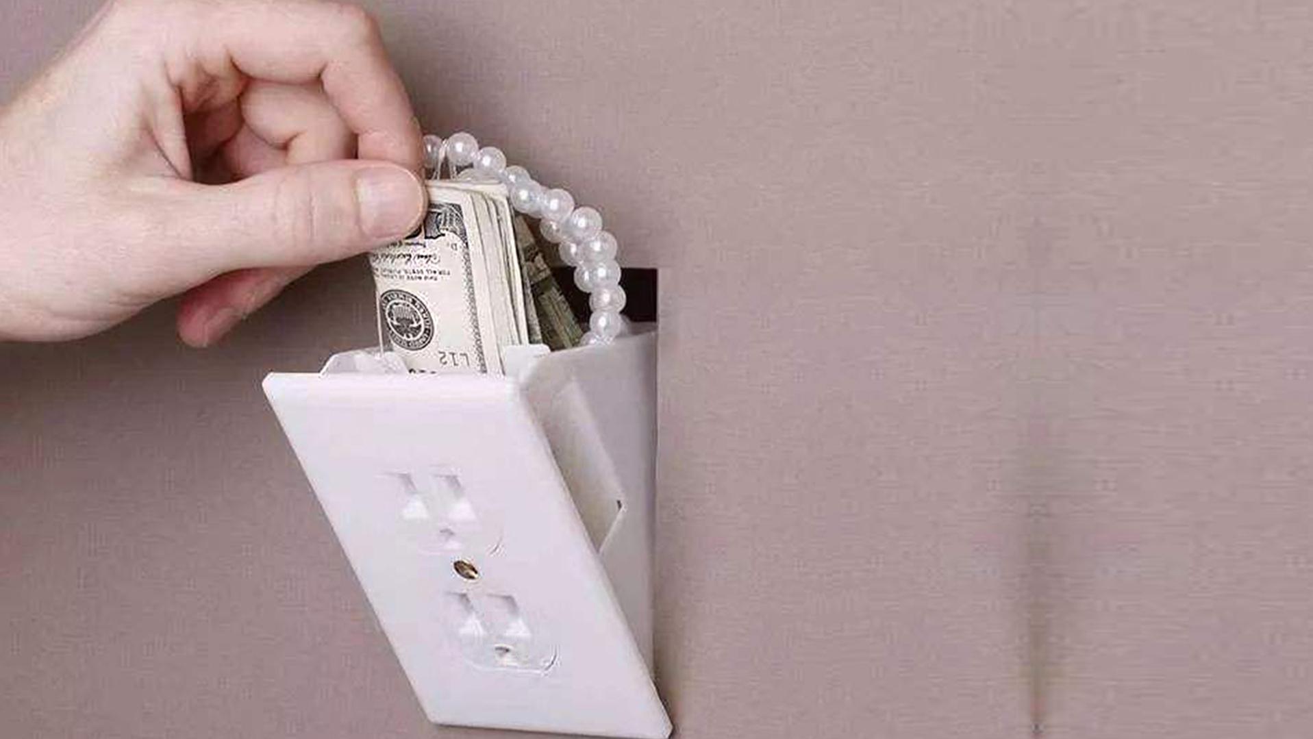 插座里暗藏保险柜,放个私房钱比银行更安全,小偷怎么也偷不走