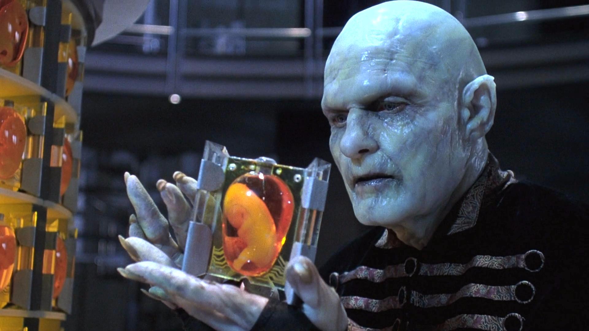 科幻电影:吸血鬼统治世界,胚胎都不放过,将人类吃干抹净