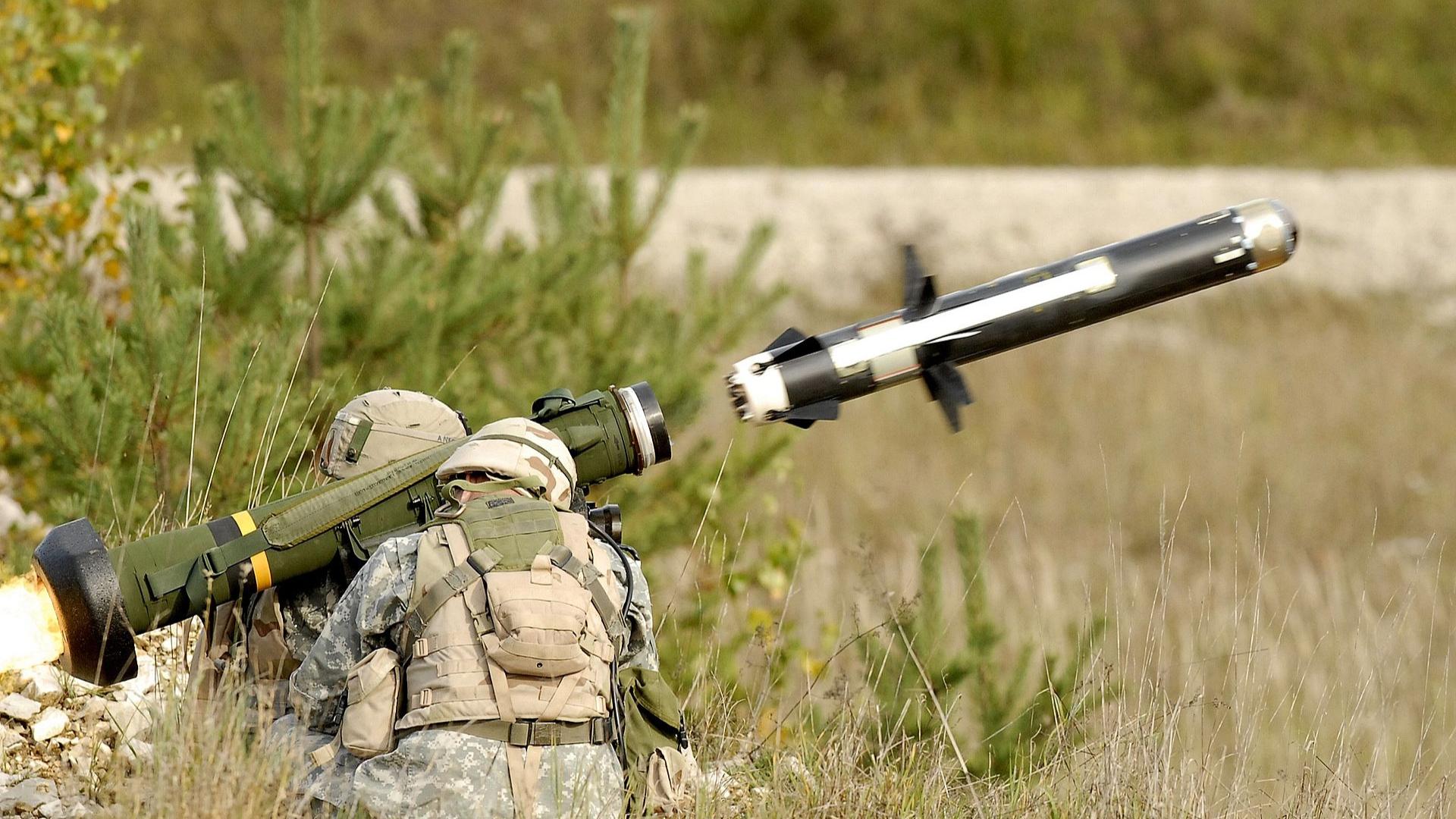【中英双字】6分钟了解FGM-148标枪式反坦克导弹