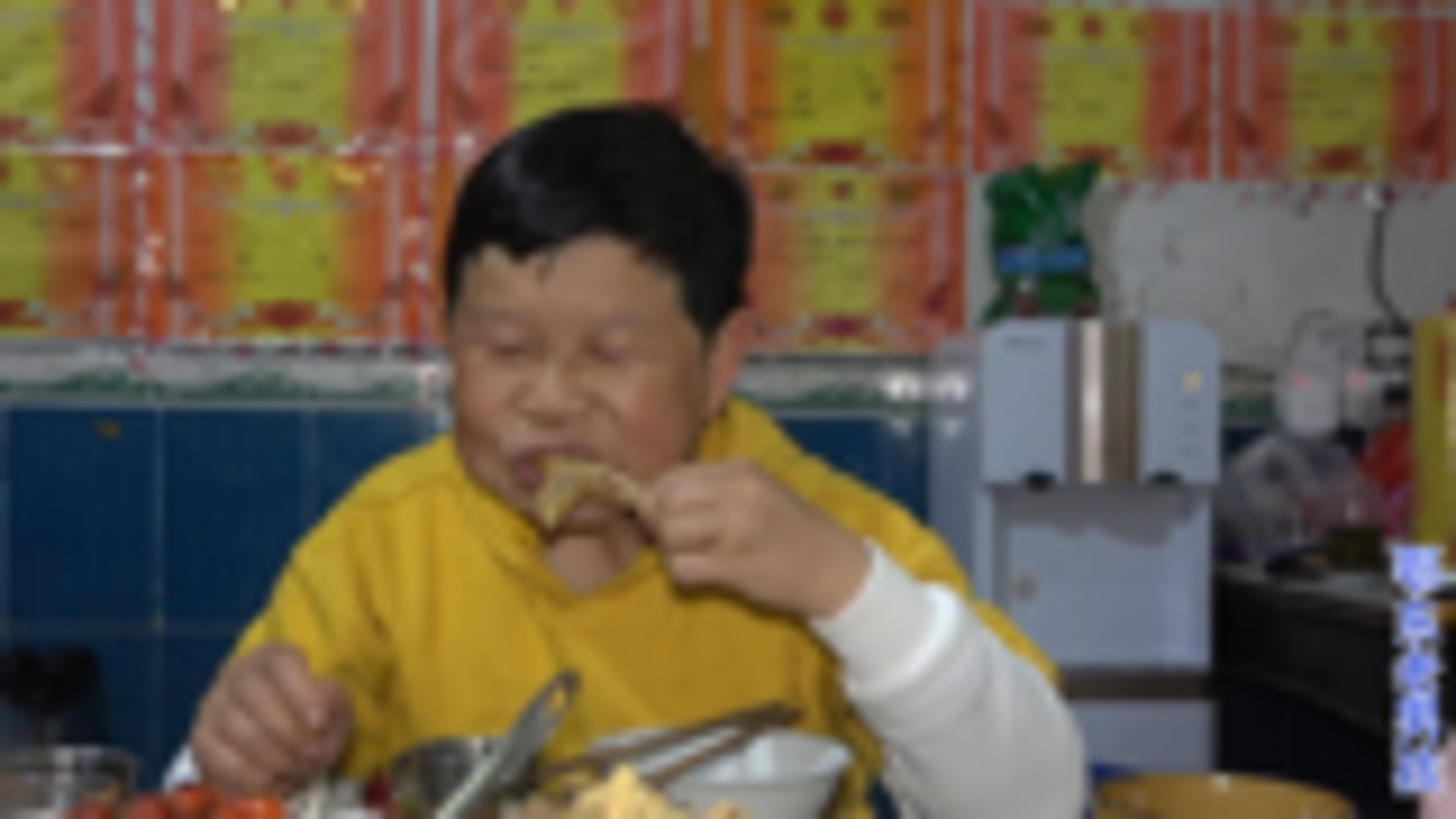 老男孩:冰箱里有只鸡太占地方,拿出来炖板栗,配上老米酒美味