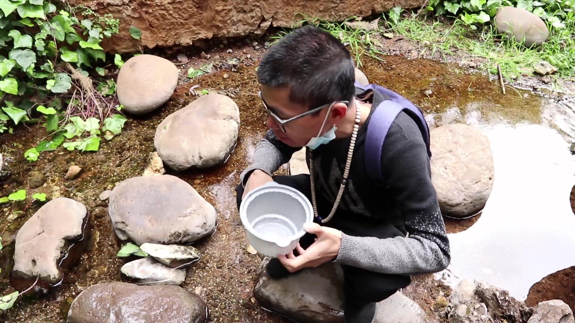 丽江黑龙潭竟然还有山泉水,这样直接喝不会有问题吧