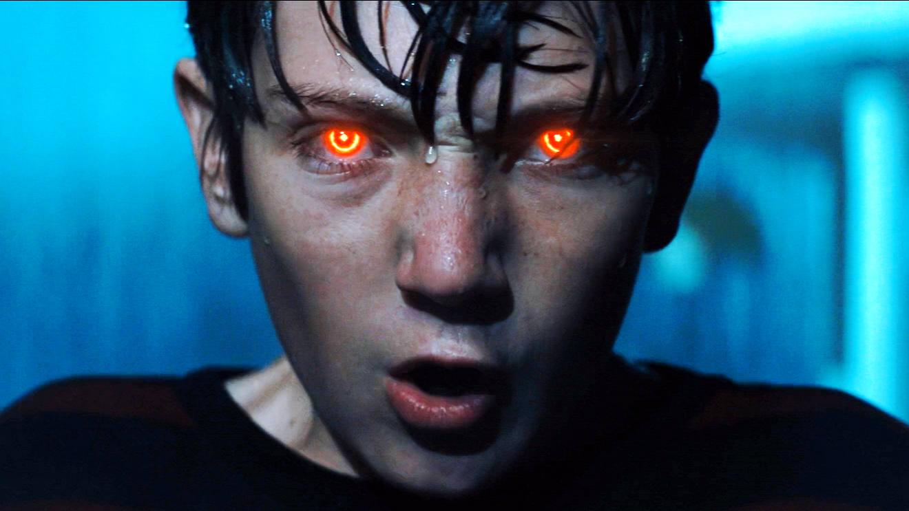 《魔童》:男孩拥有灭世的力量,一旦睁开眼睛,人间将沦为炼狱