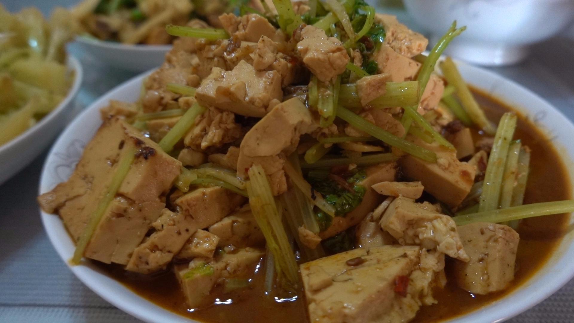 【老司马的日常食堂】暴热的中午,司马有气无力的给家人做真爱午饭