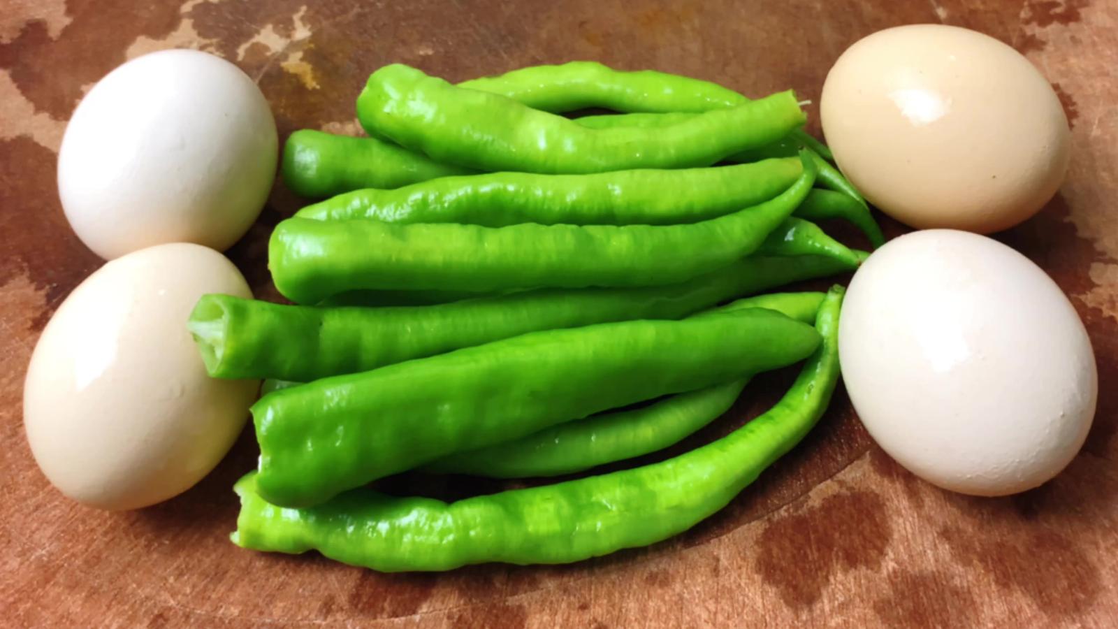 尖椒炒鸡蛋是先炒尖椒还是鸡蛋,很多人都错了,大厨教你正确做法
