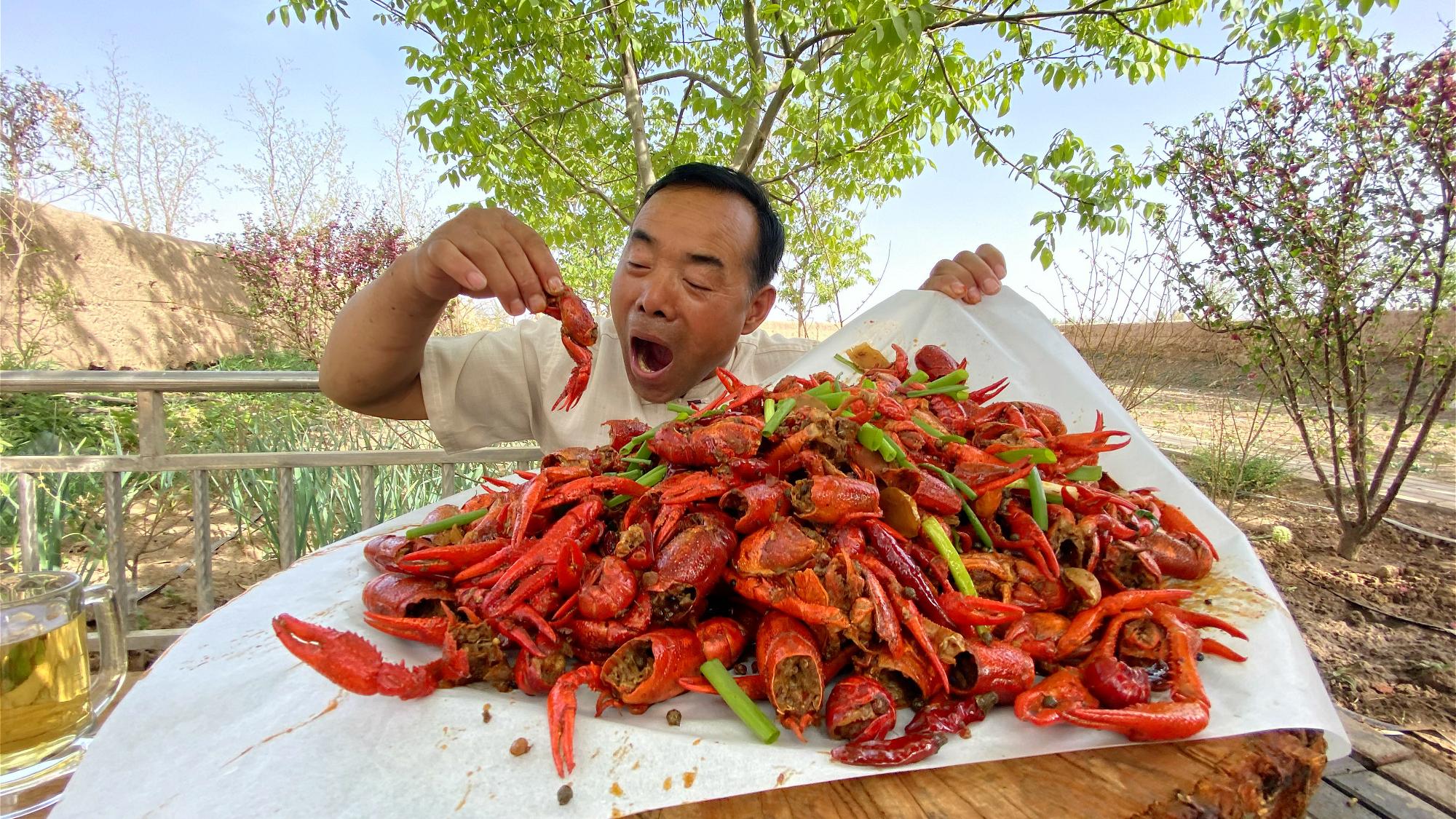 15斤小龙虾,13种祖传香料,做个麻辣十三香小龙虾,这下吃爽了