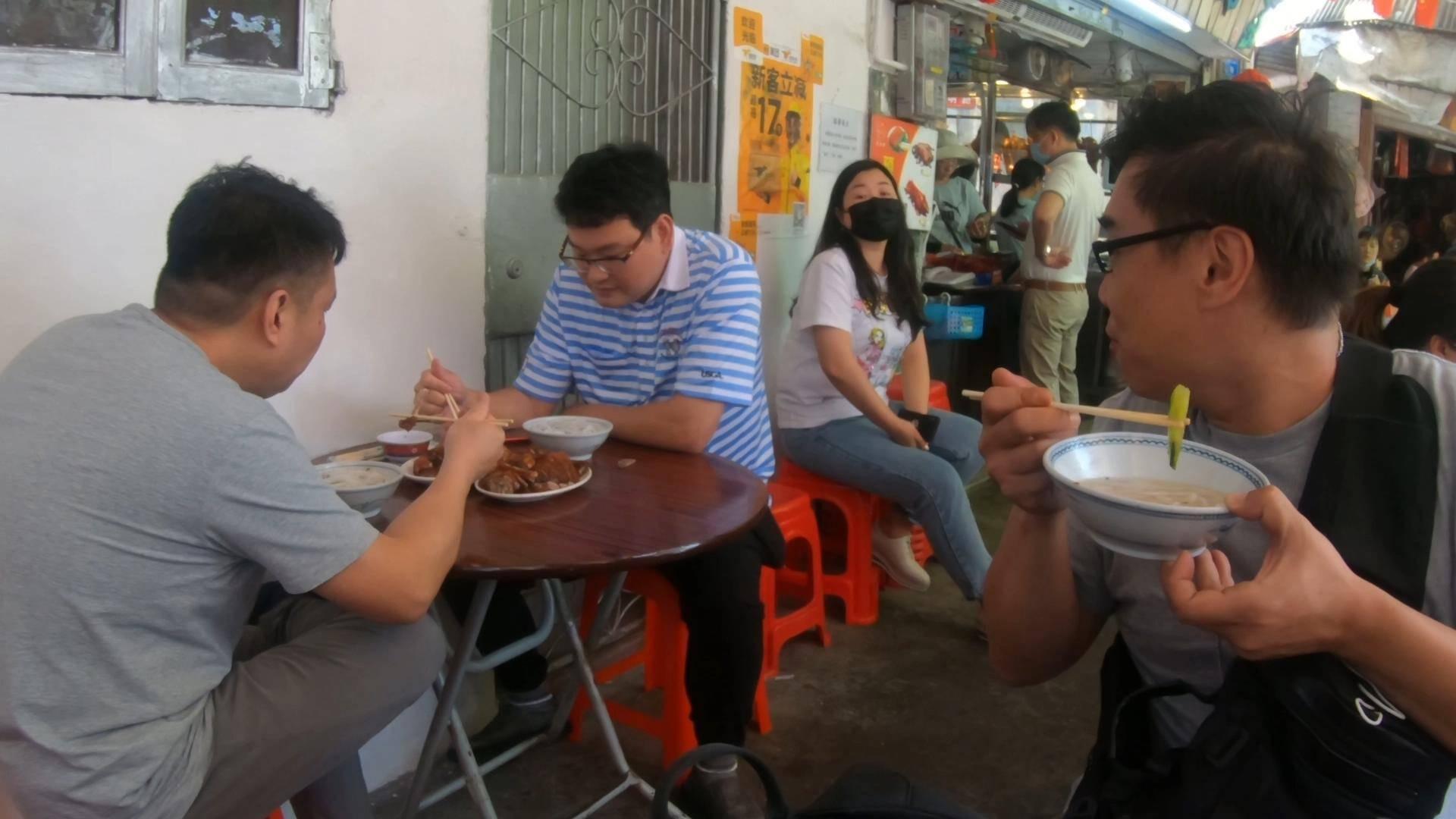 莞城开了40年的老字号餐馆,据说半数东莞人都吃过他们家的烧鹅濑!