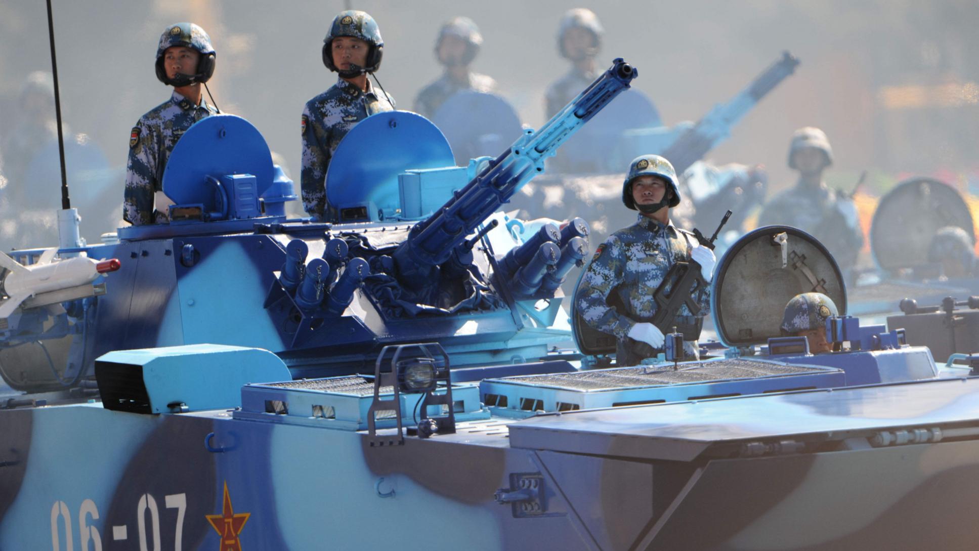 解放军海军陆战队成立40周年,会变成美军一样的独立军种吗?