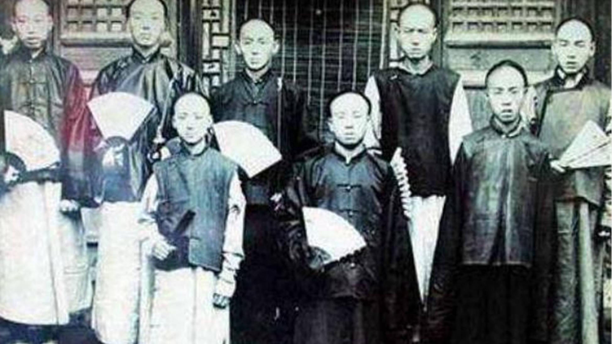 清朝灭亡后八旗子弟和格格们都去哪了?为何满语也随之消失了?