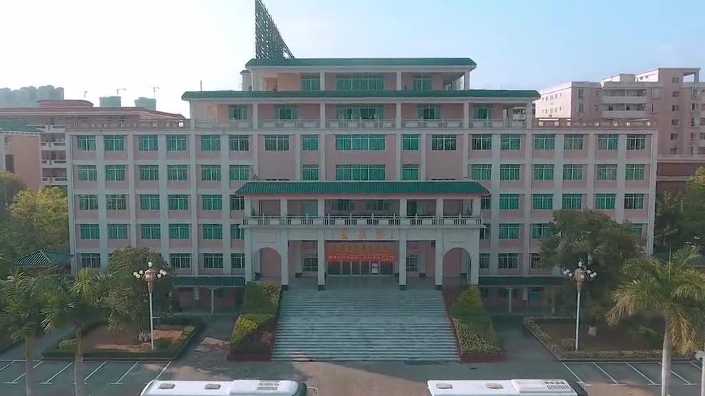 航拍的惠州经济职业技术学院