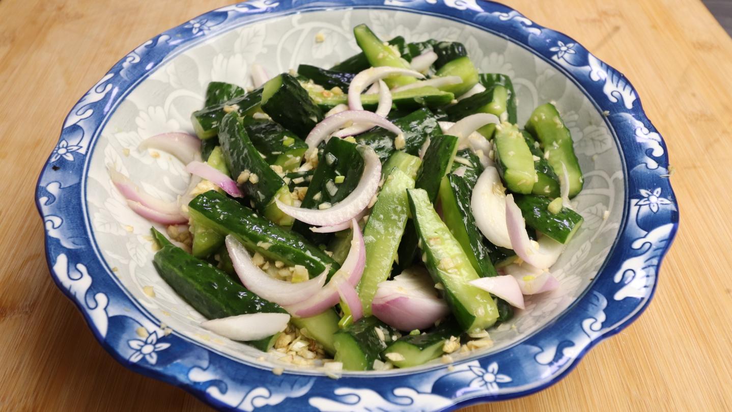 饭店凉拌黄瓜为什么那么好吃?原来窍门这么简单,爽脆入味又好吃