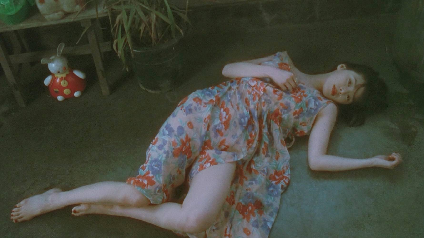 豆瓣8.7,一部极度压抑的日本电影,拍出了中国人在日本的辛酸