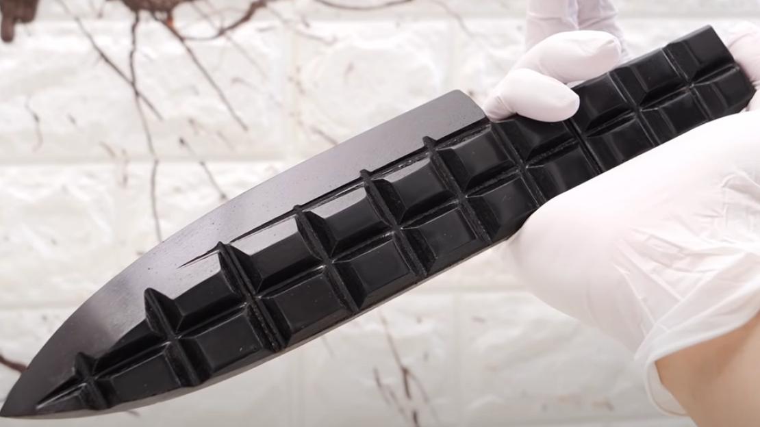 【油管搬运】手工打造世界上最锋利的巧克力厨刀