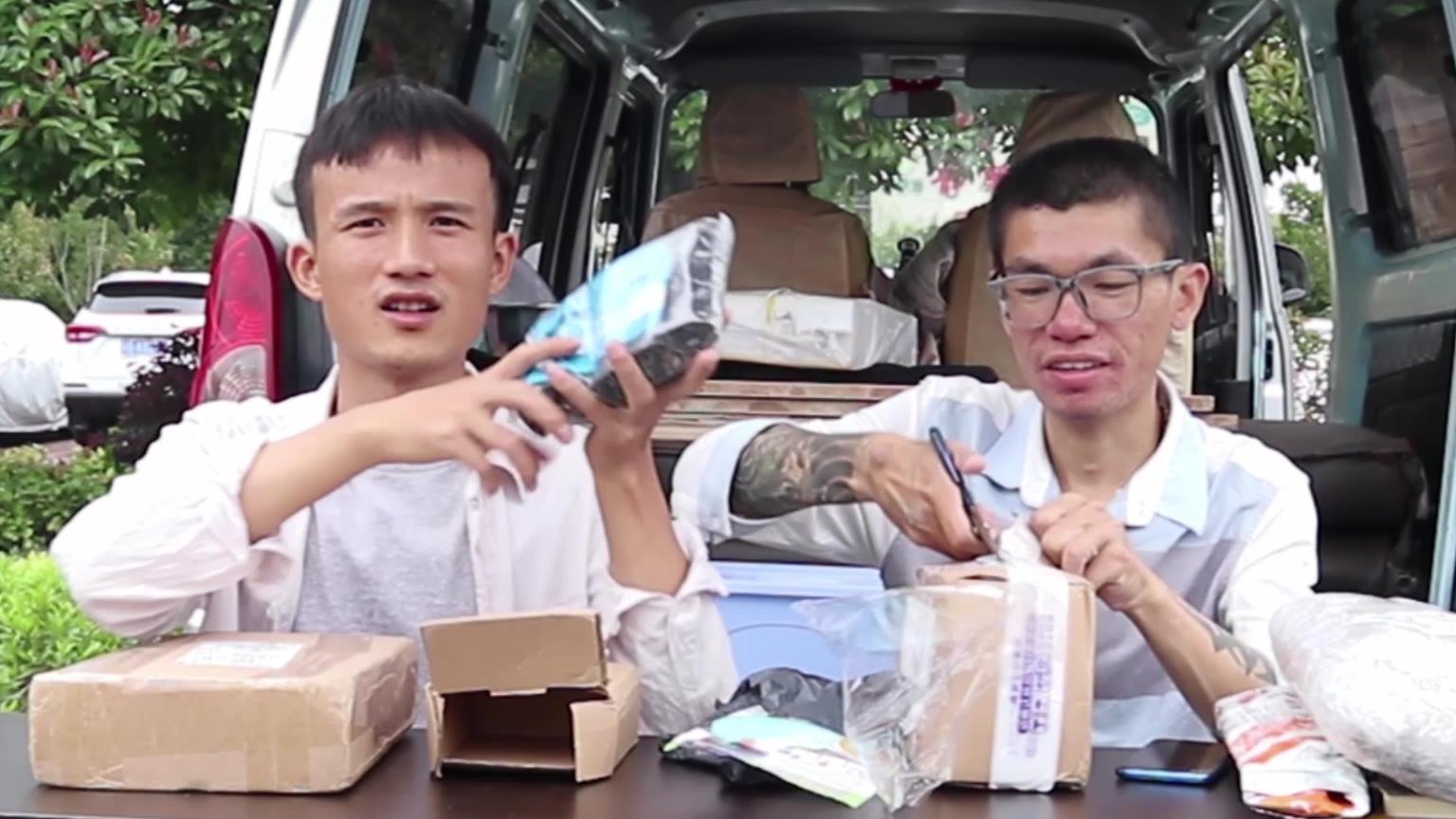 面包车自驾西藏,车上要带些什么?包裹拆到手软