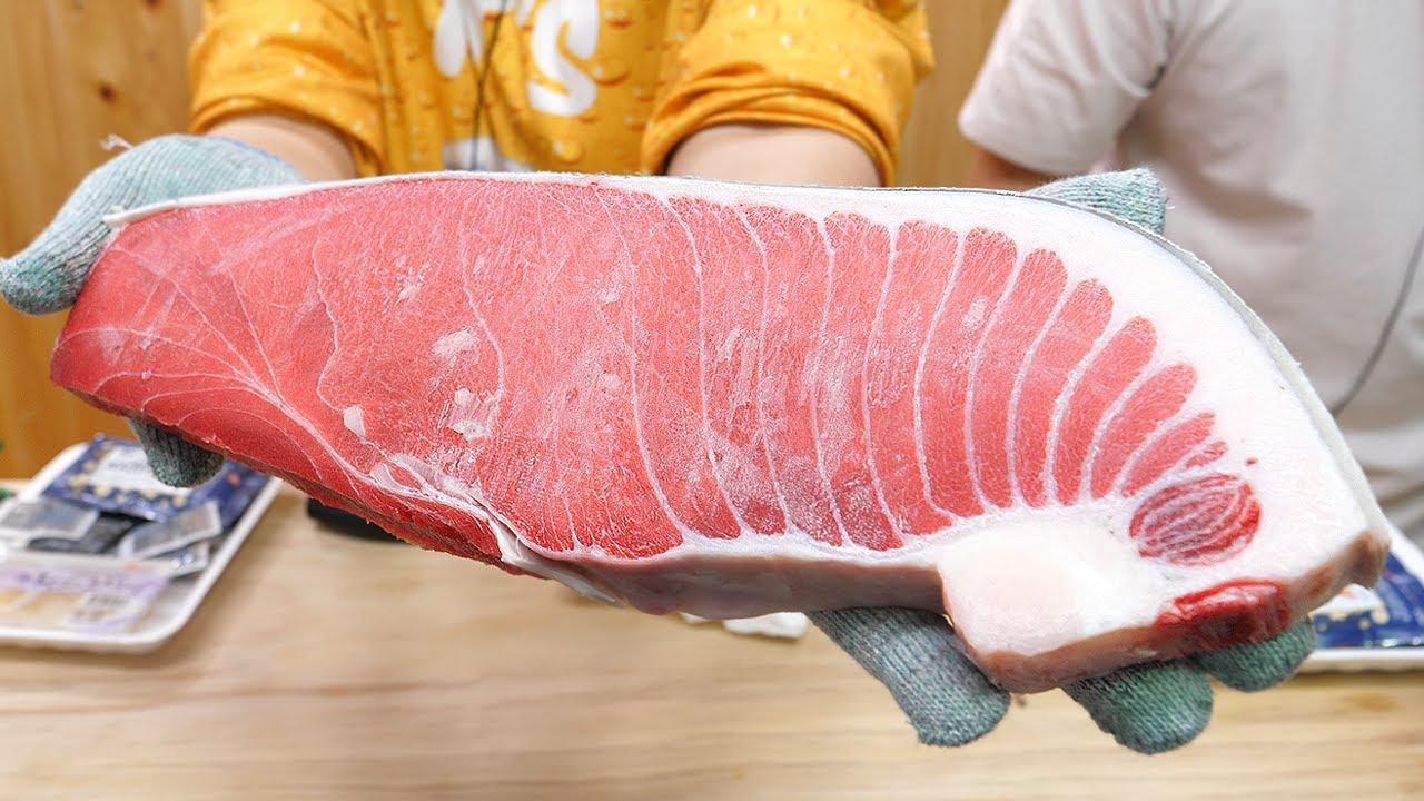 """试吃""""顶级蓝鳍金枪鱼"""",据说一块鱼肉就要上千!"""