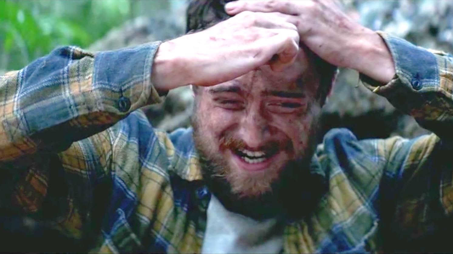 男子头上长个蠕动的大包,用刀划开后,爬出来的东西有点可怕