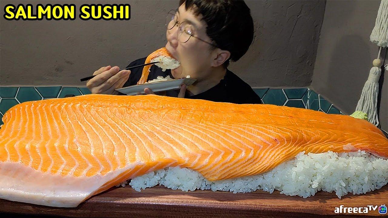 鲑鱼这样吃就是霸气,一块170000韩元鲑鱼寿司看看韩国男子怎么吃!