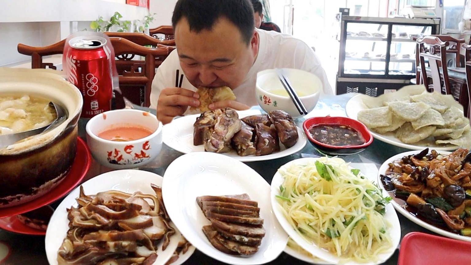 小伙去,北京昌平某众点评第一的北京菜,酱肉,酸菜白肉,真过瘾!