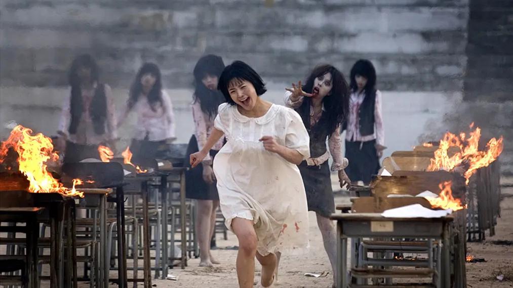 韩国经典烧脑片《考死》,成绩越好死得越快?上个学太难了