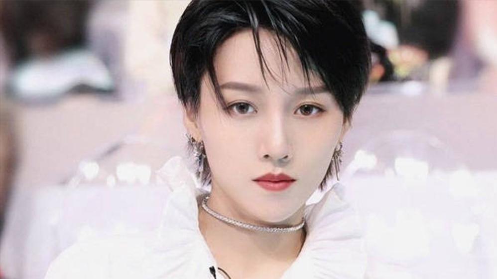 刘雨昕C位出道最新炸裂新曲《节奏病》,舞蹈超杀,瞬间入坑!