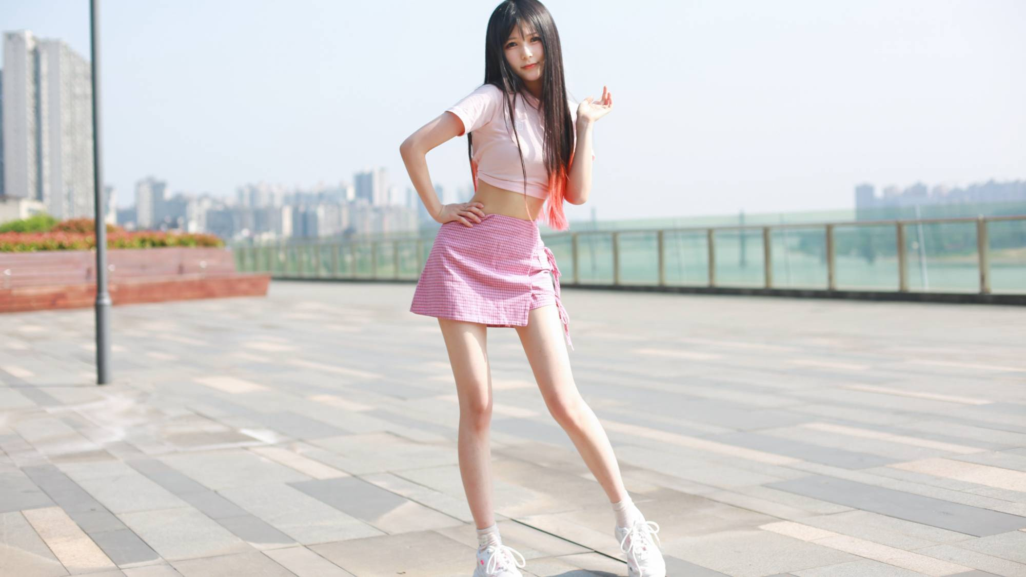 【伊伊】超甜小姐姐元气翻跳 what is love?