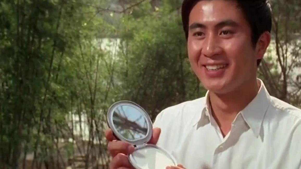 建国后第一部有吻戏的电影,那时候的电影真的好甜