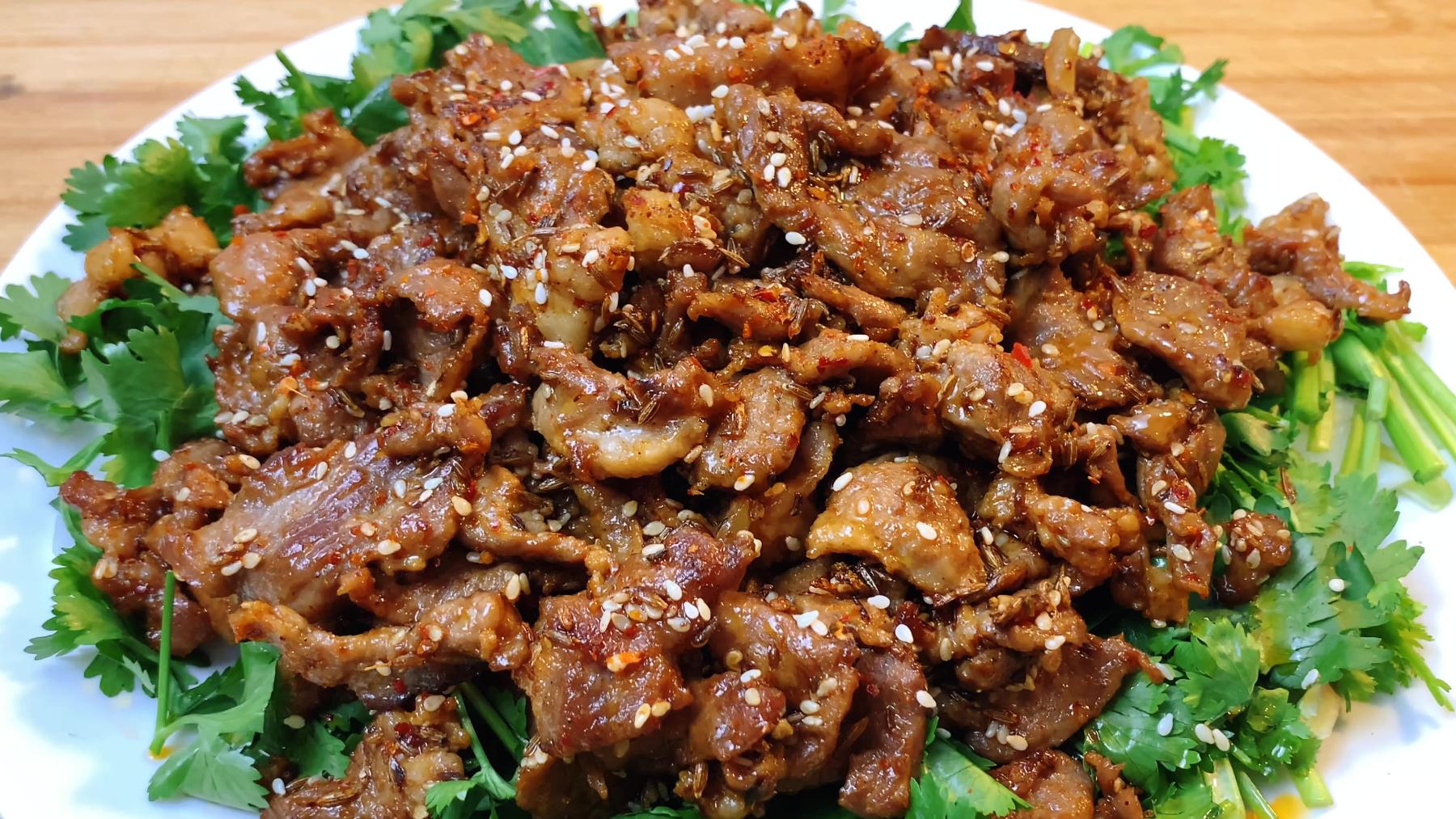 孜然羊肉,有人油炸有人直接炒,大厨教你正确做法,比羊肉串还好吃