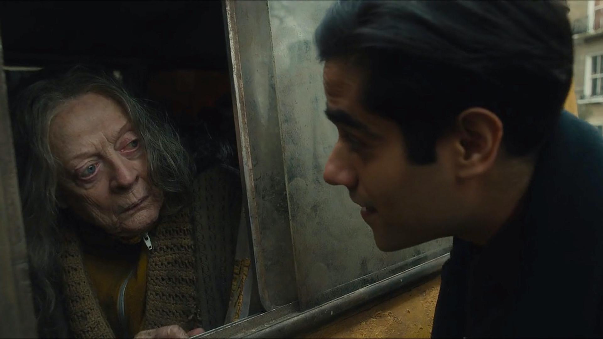 【何止电影·A站独家】又挖到一部冷门佳片!这个住在货车里的老太太,让全世界都心疼了《住货车的女士》