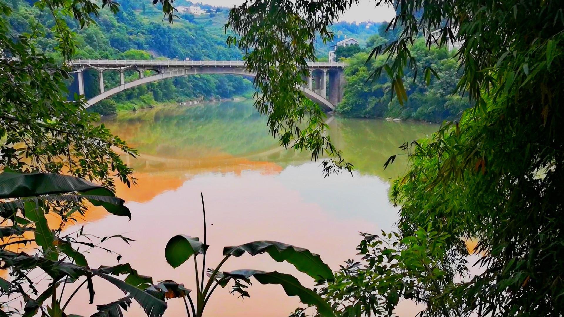 重庆鲜为人知的古镇,一条河竟有两个颜色,真的太神奇了