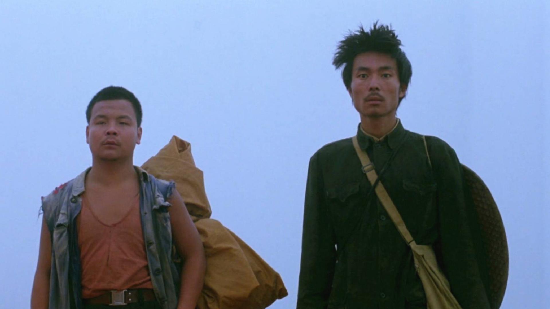 看下陈凯歌早期的电影吧,还是很用心的,他可不是低级趣味的人