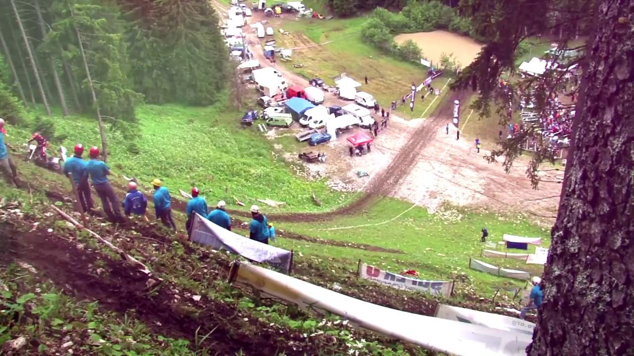 越野摩托车爬坡赛,这么陡的坡谁能上得去?