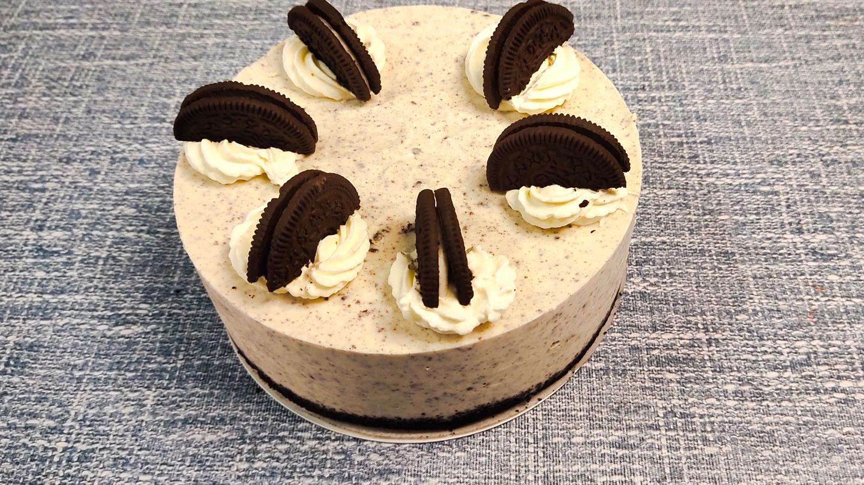 不用烤箱就能做,简单易学零失败,奥利奥冻芝士蛋糕的做法视频教程,跟慕斯蛋糕,乳酪蛋糕有啥区别?