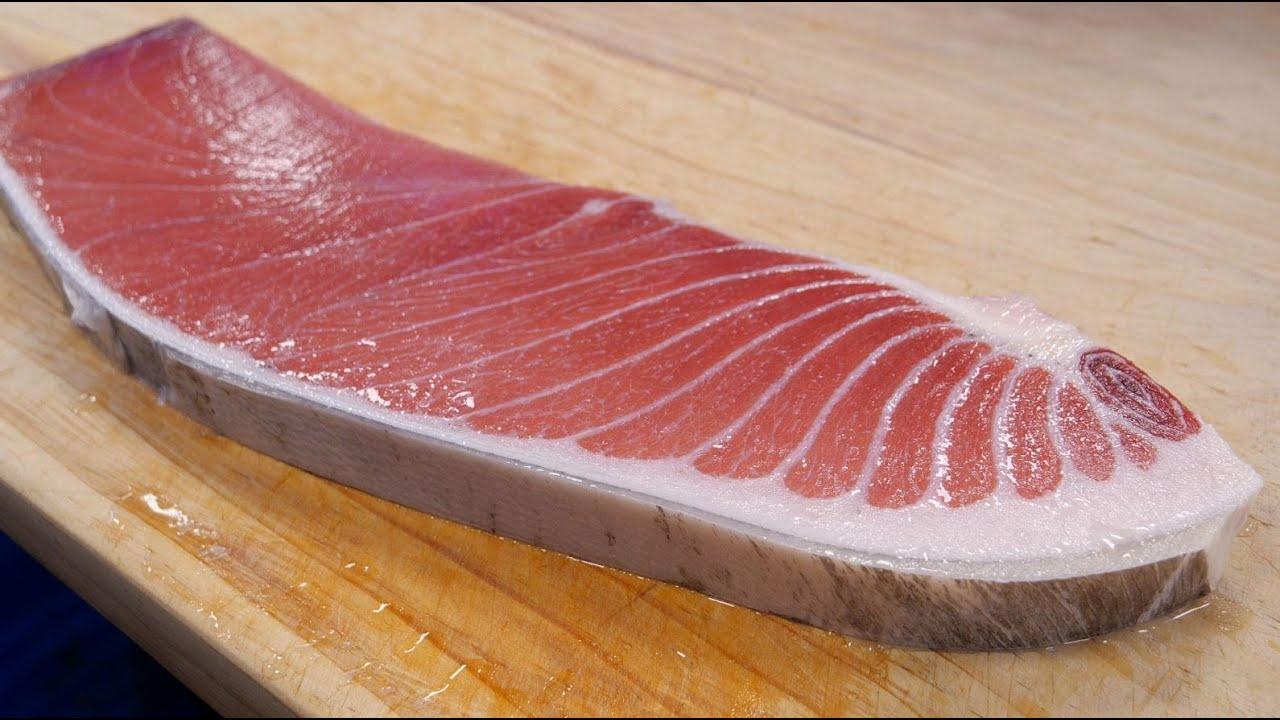 """韩国街头吃""""第一等级金枪鱼腹肉"""",好肥美的感觉,看着好爽!"""