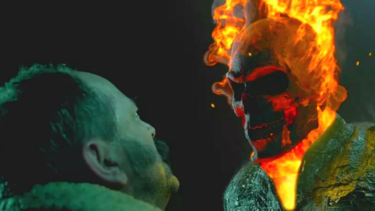 燃烧的骷髅头痛击恶魔,这个男人有点强!