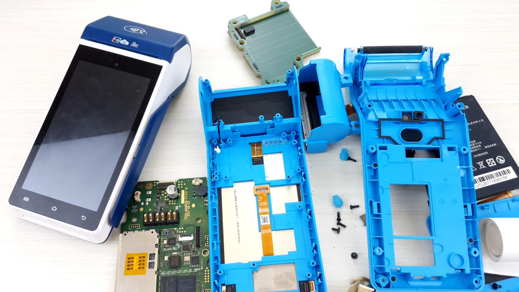 我们去超市结账时使用的POS机,拆开后才发现和安卓手机大同小异