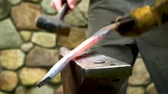 用废旧弹簧钢板锻造一把大宝剑