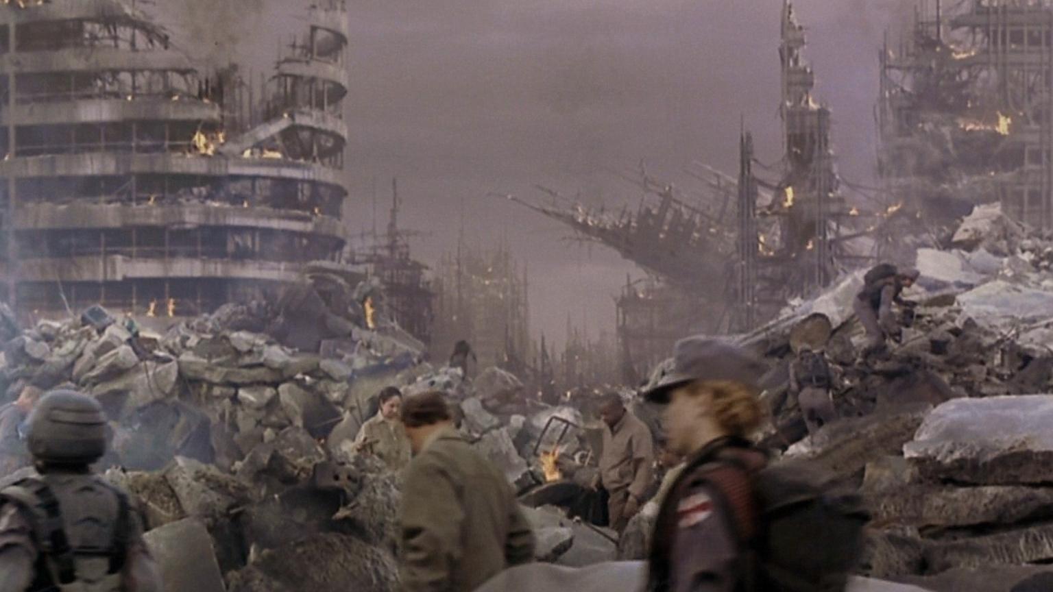 人马星人降临地球,人类建起了保护罩,但它们还是找到进攻方法!