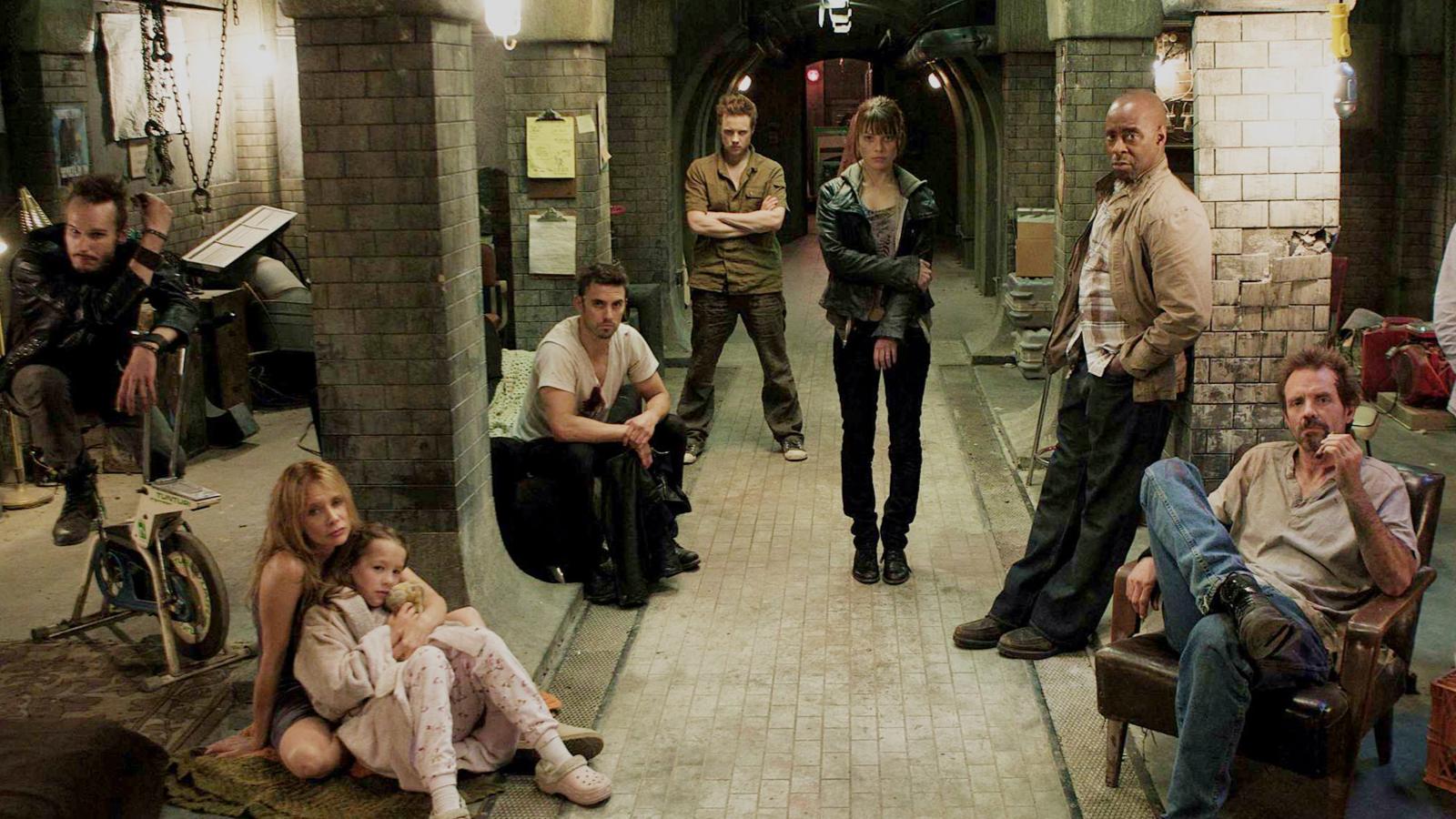世界爆发核战后,城市已经无法生存,9人只能将自己关到地下室!