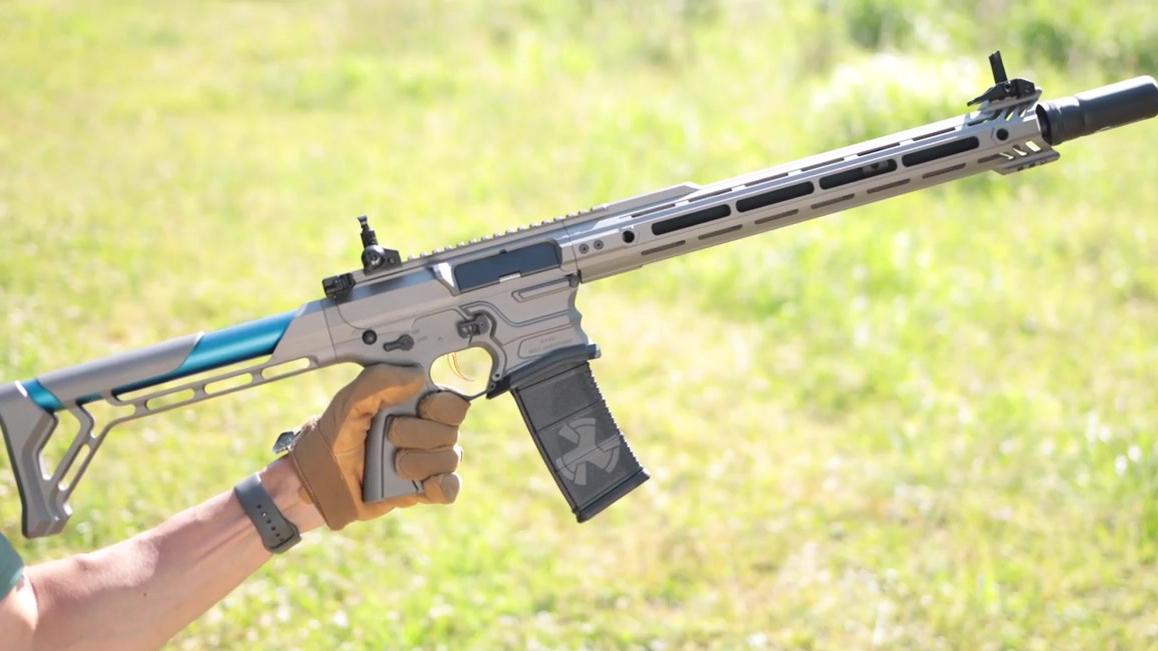 【壕堺大叔】艺术品级别的玩具枪!整块金属削成的枪让大叔嗨到不行!