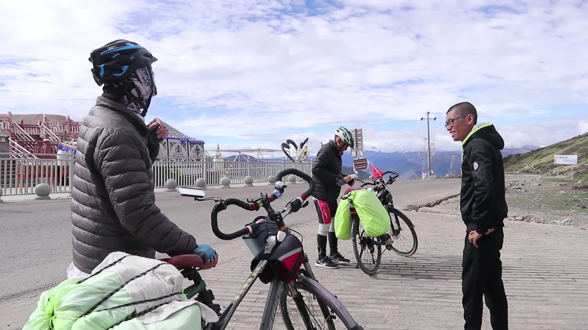 67岁大爷单车骑行川藏线,靠的竟不是身体素质,小伙逼问真相