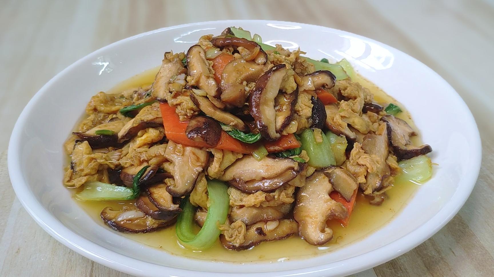 简单好吃的香菇鸡蛋烧油菜,味道可口,营养丰富,每次上桌不够吃