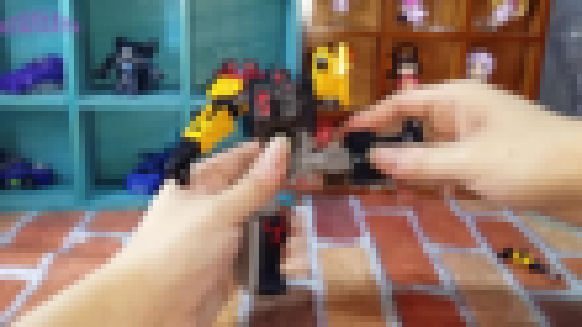 顽皮鼠的玩具分享变形金刚地出D级铁匠开箱测评分享