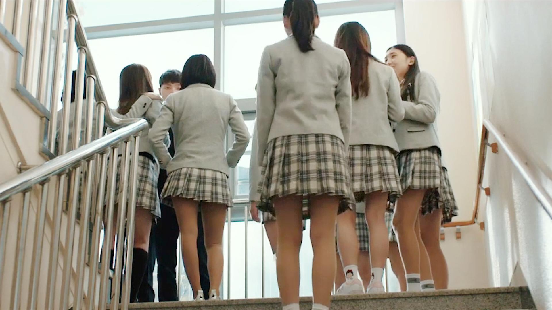 韩国爆笑喜剧,当大叔变成高中生,妹子们都疯了!