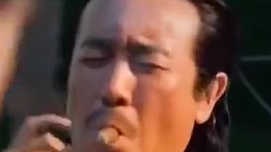 刘皇叔蹦迪系列… 太魔性