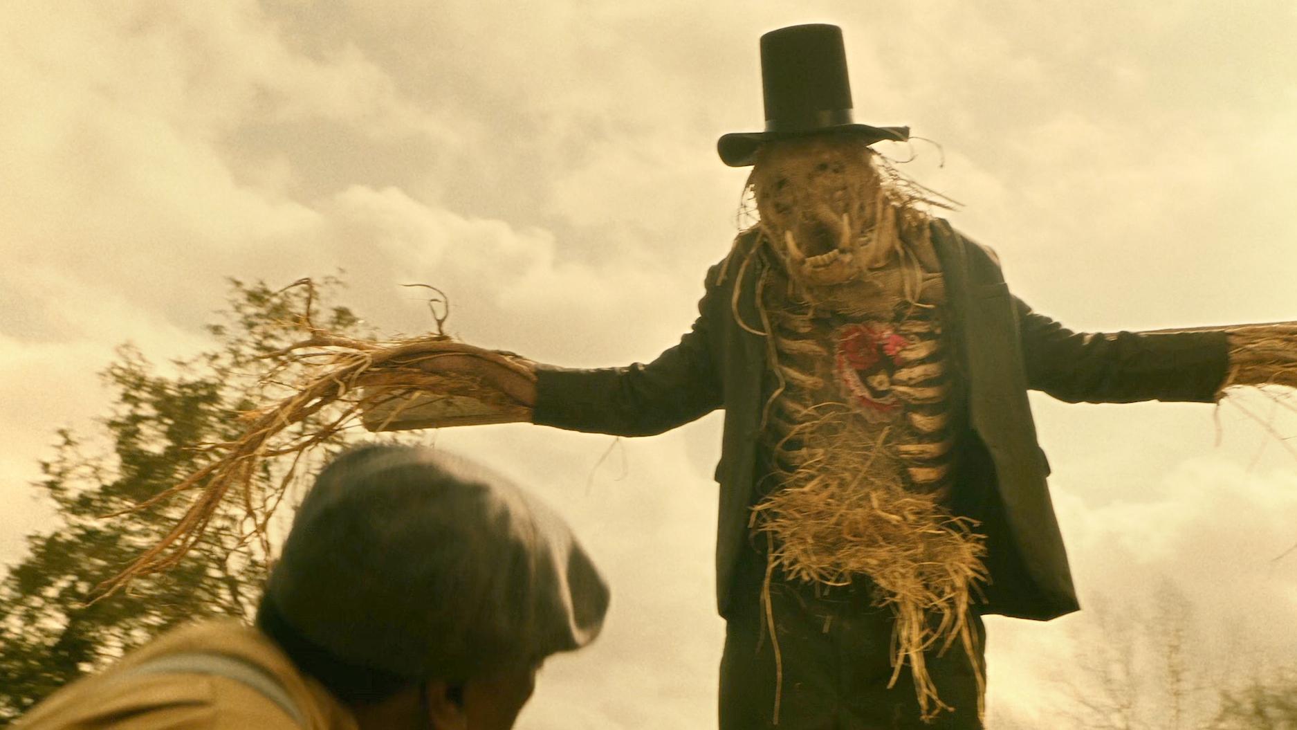 老人用亡妻遗物,当稻草人的心脏,结果稻草人瞬间活了过来!速看奇幻短片《鬼作秀:伴侣》