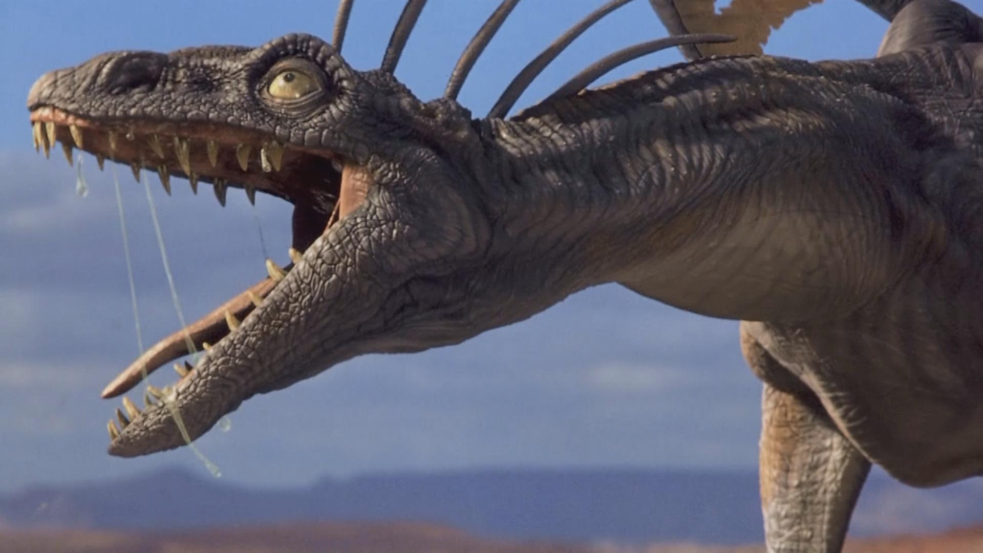 外太空生物掉到地球,几天内就长成了怪兽,但它们不能呼吸氧气!