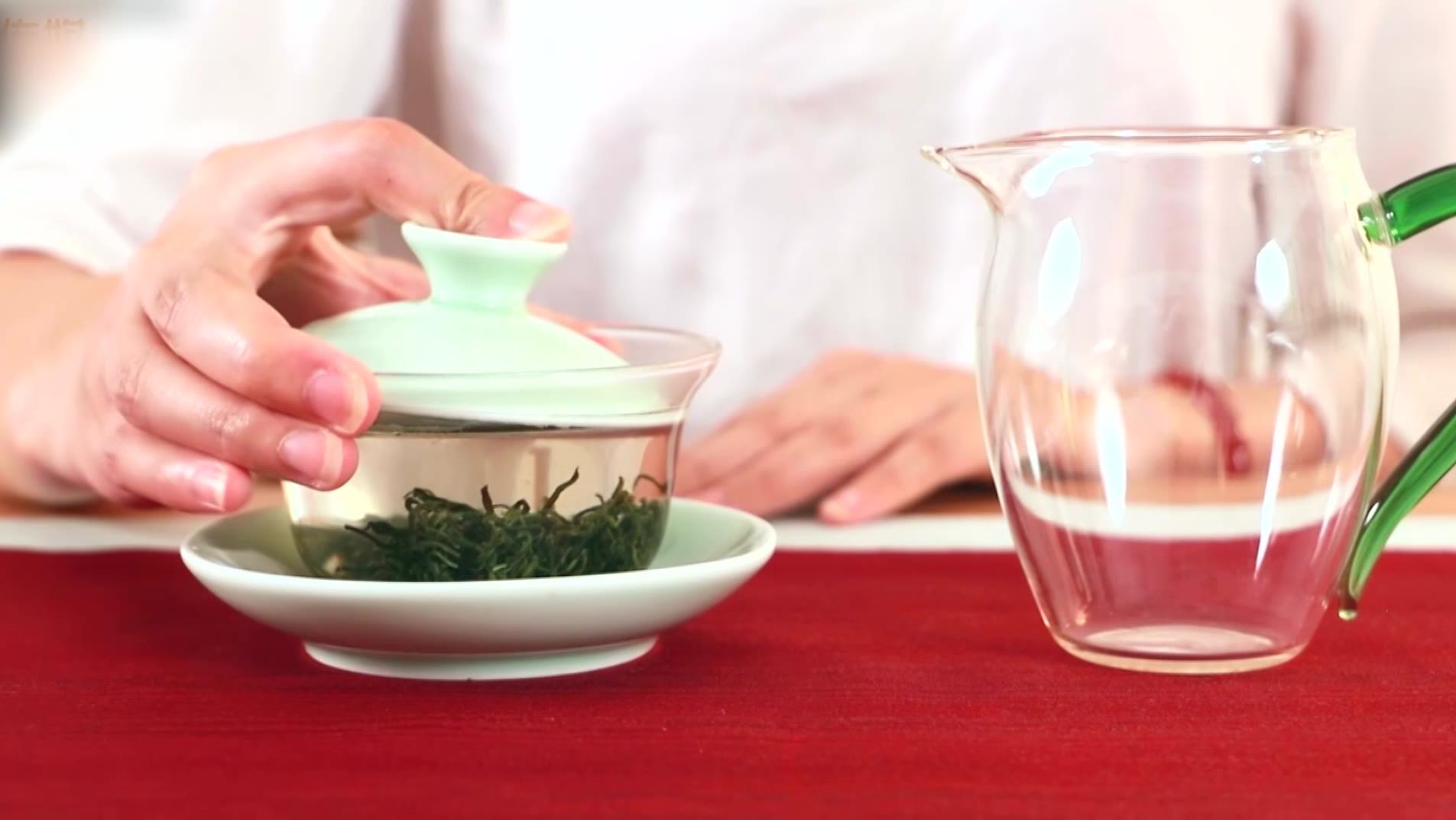 绿茶怎么分辨是陈茶还是新茶?