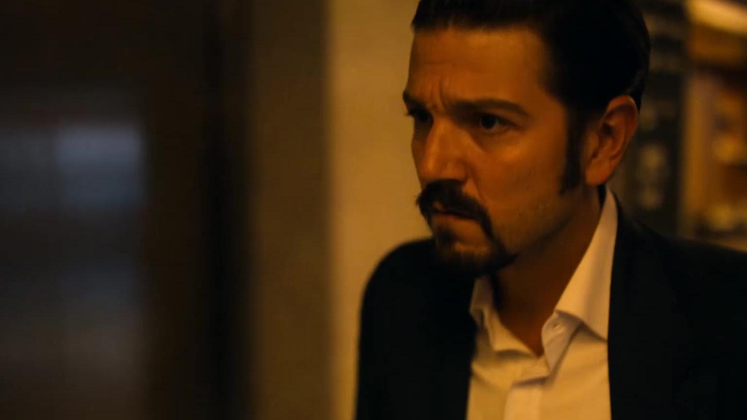 生猛爽剧《毒枭:墨西哥》第一季-4:真实人物改编讲述反毒战争的起源
